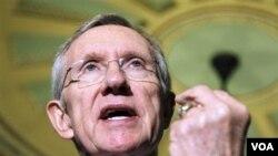 """El líder de la mayoría demócrata en el Senado, Harry Reid, está buscando apoyo para hacer """"cambios"""" al acuerdo."""