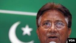 Mantan Presiden Pakistan, Pervez Musharraf - yang kini tinggal di London, Inggris - akhirnya memutuskan untuk menunda rencana pulang ke Pakistan (foto: dok).