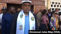 Grégoire Owona, secrétaire-général du RDPC, à la sortie d'une réunion à Yaoundé, au Cameroun, le 11 mars 2018. (VOA/Emmanuel Jules Ntap)