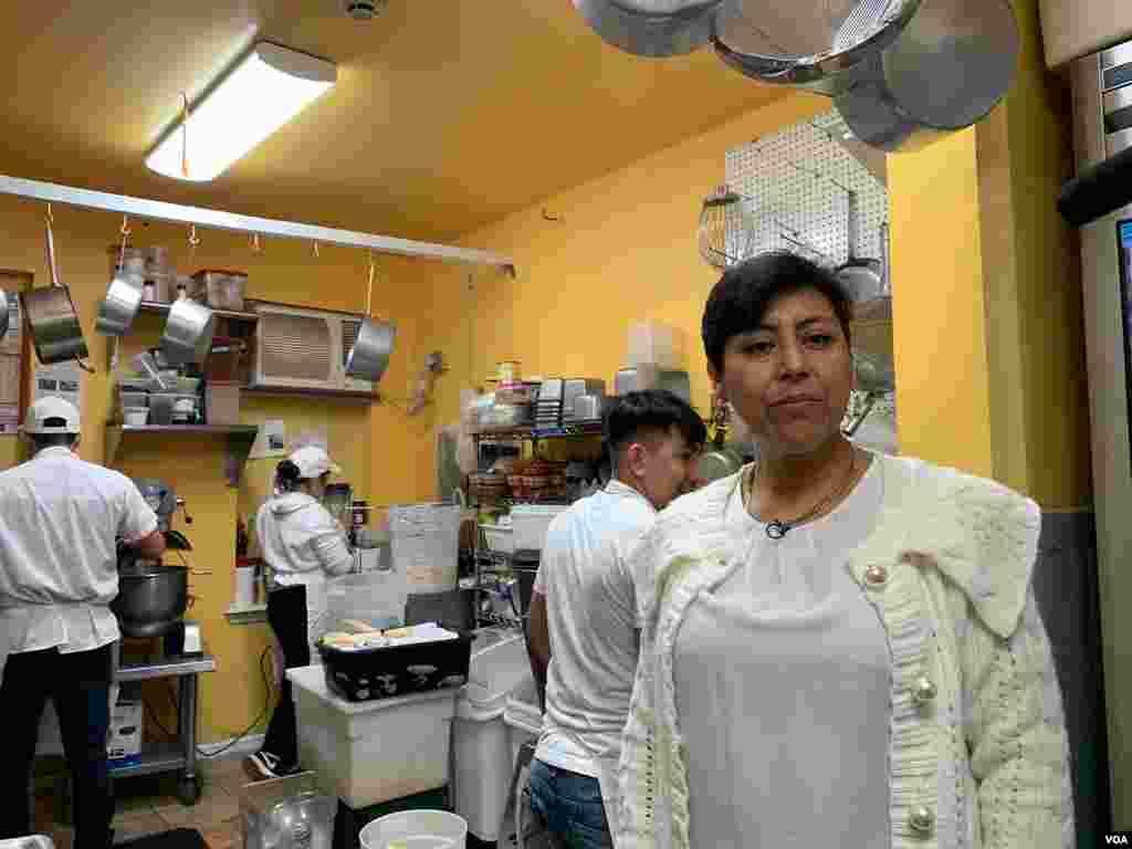 Cristina Martínez, la chef mexicana que conquistó Filadelfia con su restaurante South Philly Barbacoa, no solo abrió las puertas de su restaurante, también a migrantes que llegan en busca del sueño Americano.