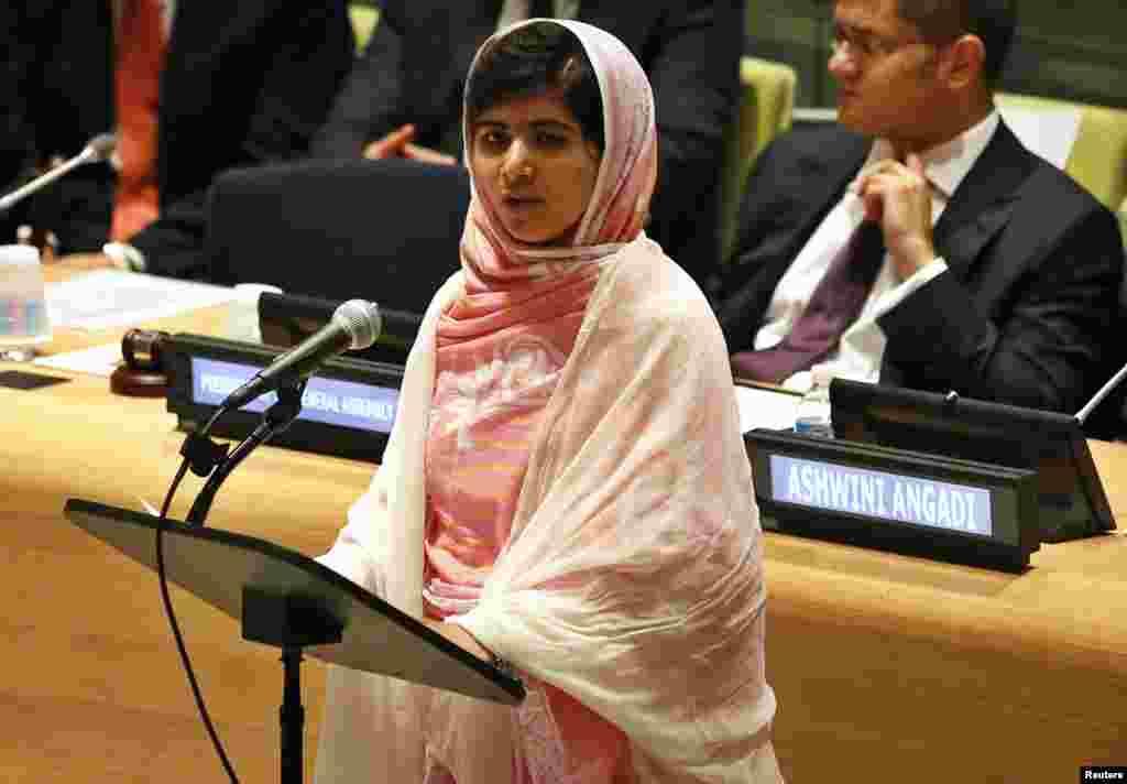 پاکستانی طالبہ ملالہ یوسفزئی کی 12 جولائی کو سولہویں سالگرہ کے موقع پر 'عالمی یوم ملالہ' منایا گیا۔