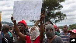Sul-africanos contra imigrantes