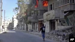 ຮູບພາບເຜີຍແຜ່ໂດຍ ນາຍໝໍທີ່ບໍ່ມີພົມແດນ ສະແດງໃຫ້ເຫັນ ໄຟໄໝ້ຢູ່ເມືອງ Aleppo.