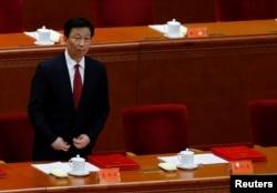 2013年12月26日人们在韶山纪念毛泽东120岁生日中国国家副主席李源潮(2016年7月1日)