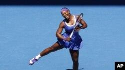 Derrotando a la checa Petra Kvitova, Williams pasa a las semifinales femeninas en el abierto de tenis.