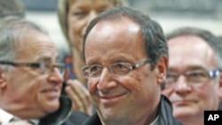法国社会党候选人奥朗德4月16日在竞选中