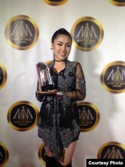 Jesica Yap raih penghargaan di ajang Hollywood Music and Media Awards 2018 (Dok: Jesica Yap)