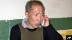 武汉民主人权活动人士秦永敏在家中(资料照)