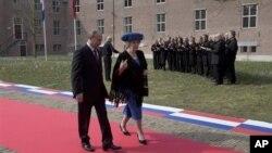 Владимир Путин икоролева Нидерландов Беатрикс. Амстердам. 8 апреля 2013 г.