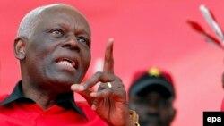 Le président José Eduardo Dos Santos de l'Angola, Luanda, le 29 septembre 2012. epa/PAULO NOVAIS