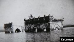 কাপ্তাই লেকে নিমজ্জিত রাজপ্রাসাদের একাংশ