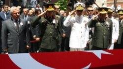 اوایل ژوییه امسال نیز ۱۳ نظامی ترکیه در درگیری با شبه نظامیان کرد کشته شدند