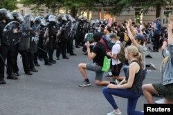 Paytaxt Vaşinqtonda nümayişçilər polis zorakılqlarına və sistemik irqçiliyə etiraz edir.