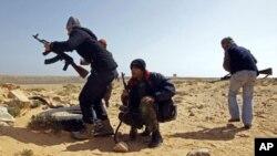 حمله نیرو های قذافی راس لانوف