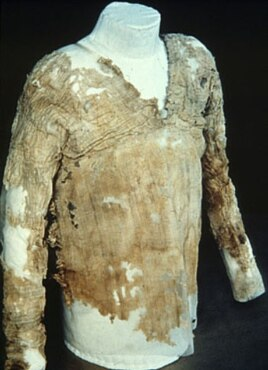 The Tarkhan Dress. Courtesy of Petrie Museum of Egyptian Archaeology, UCL.