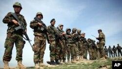 Pasukan Afghanistan berhasil menghalau serangan besar Taliban (foto: ilustrasi).