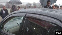 Kendaraan Shabaz Bhatti yang diserang oleh kawanan bersenjata di Islamabad, Rabu (2/3).