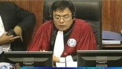 红色高棉前典狱长在法庭上指认前上级