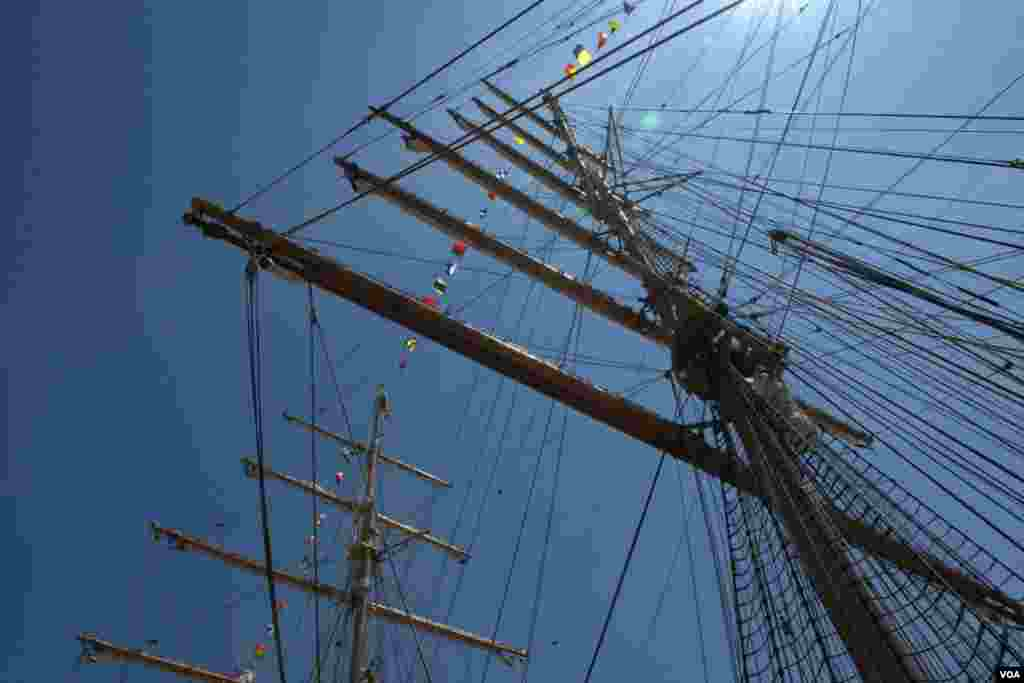 «В нашу гавань заходили корабли»