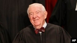 Les 35 ans de John Stevens dans l'enceinte du temple du droit en font le troisième juge ayant été le plus longtemps à son service de toute l'histoire des Etats-Unis.