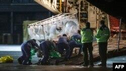 2014年12月30日蘇格蘭護士卡佛基感染伊波拉﹐送往英國一家醫院接受治療。