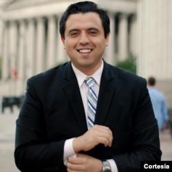 Robert Valencia, analista de temas internacionales