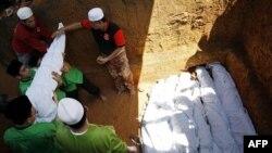 Malezya'daki Toprak Kaymasında 9 Kişi Sağ Kurtarıldı