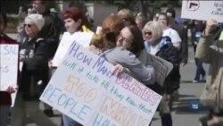 """""""Марш за наші життя"""" у Вашингтоні зібрав сотні тисяч прихильників жорсткого контролю над зброєю. Відео"""