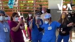 Медсестри в Каліфорнії танцями відсвяткували одужання пацієнта. Відео