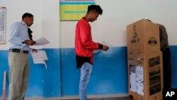 Eleitores foram às urnas no domingo