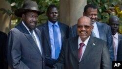 Президент Южного Судана Салва Киир встречается с президентом Судана Омаром Башириром. Джуба, Южный Судан. 6 января 2014 г.