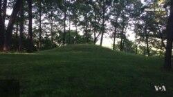 Hiking at Effigy Mounds National Monument