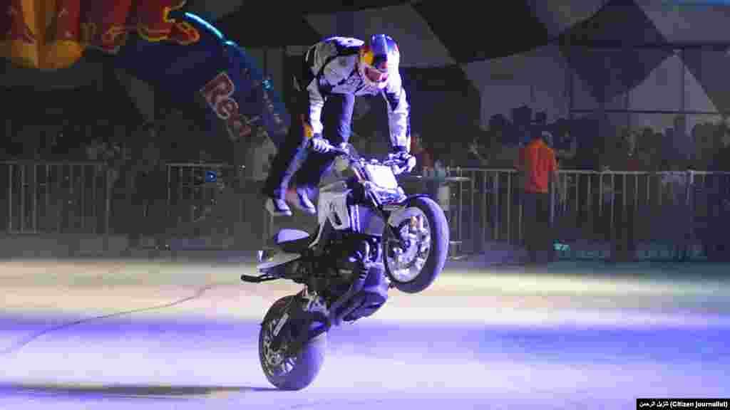 فری اسٹائل اسٹنٹ موٹر سائیکلسٹ نے حال ہی میں پاکستان کا بھی دورہ کیا اور اسلام آباد، لاہور اور کراچی میں اپنے فن کے جوہر دکھائے۔