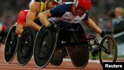 Le britannique David Weir remporte le 5 000 mètres lors des Jeux olympiques de Londres, le 2 septembre 2012.