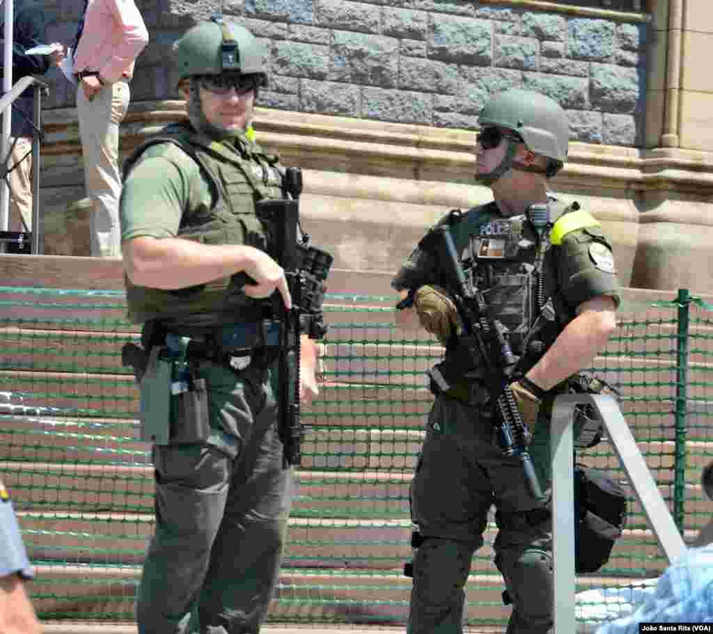 Segurança apertada fora do recinto da Convenção Republicana em Cleveland. Jul 19, 2016