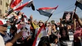 Mitingje masive në Egjipt