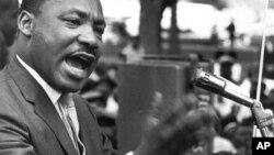 Algunos de los bocetos de los discursos de Luther King, forman parte de los artículos a subastarse.