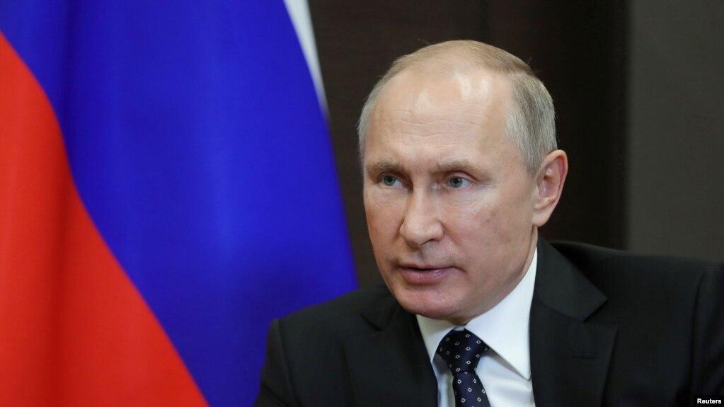 """Rusia shpall """"agjentë të huaj"""" Zërin e Amerikës dhe Radion Evropa e Lirë"""