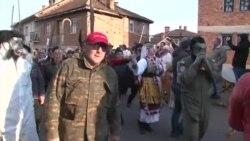 """""""Катица"""", """"Рекет"""", """"Заев"""", """"Мицковски"""" дефилираа низ Вевчани"""