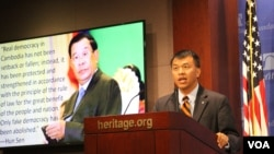 Associate Professor Sophal Ear of Occidental College speaks at the Heritage Foundation, Washington DC, September 13, 2018. (Sreng Leakhena/VOA Khmer)