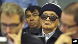 """波尔布特的""""二号兄弟""""农谢(中)6月28日在联合国支持的战争罪法庭的庭审中"""
