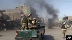 阿富汗部隊在街上巡邏(資料圖片)