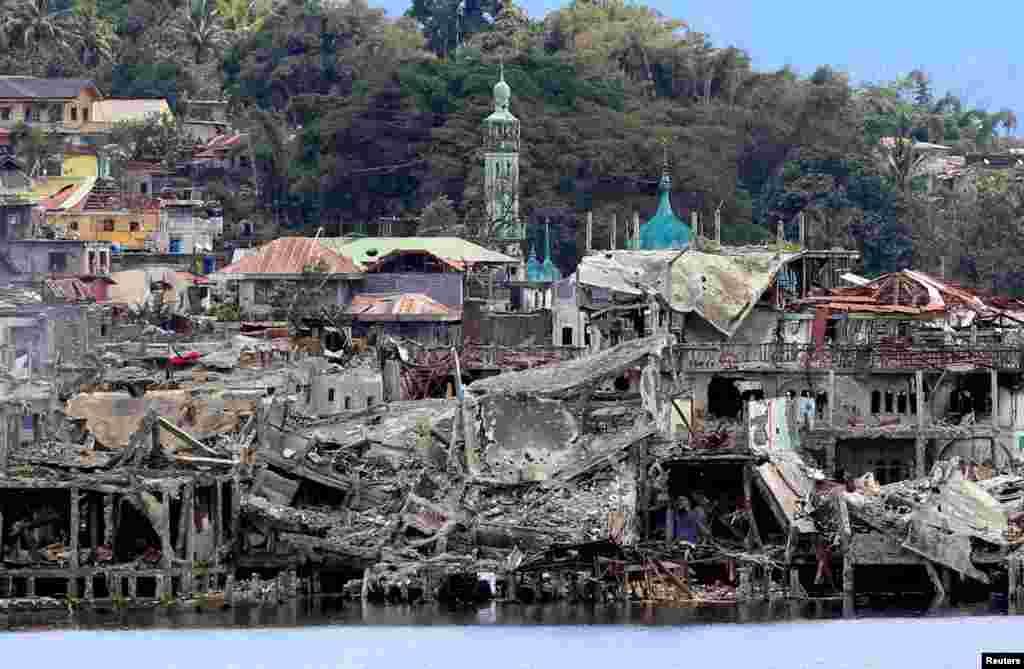 Filippin - İslam Dövlətinın nəzarətindən geri alınan Maravi şəhəri