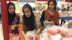 Muslims Fast While Feeding Families in Need