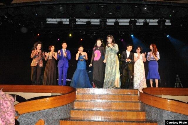 Các nghệ sĩ tham gia biểu diễn tại chuyến Hội ngộ Trùng dương năm 2014