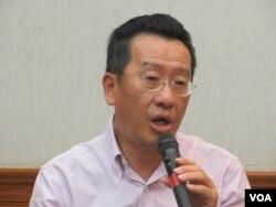 台灣執政黨民進黨立委顧立雄(美國之音張永泰拍攝)