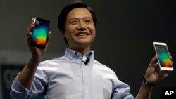 中国智能手机制造商小米董事长雷军