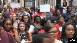 Zbog finansijskih restrikcija zatvaraju se neke škole u Čikagu