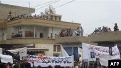 Amaterski snimak današnjih prodemokratskih demonstracija u gradu Kamišli, na severu Sirije