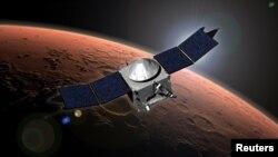 미국의 화성탐사선 '메이븐'이 21일 화성 궤도에 진입했다고 미 항공우주국이 밝혔다. 사진은 미 항공우주국이 22일 공개한 '메이븐'의 화성 활동 상상도.